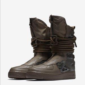 Nike SF AF1 Hi Air Force 1 sneakers